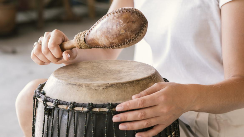 Tanzen und Trommeln
